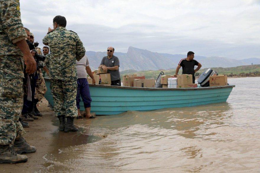 گزارش شماره ۶ کمکرسانی به مناطق سیلزده